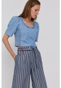 Levi's® - Levi's - Bluzka. Okazja: na co dzień, na spotkanie biznesowe. Kolor: niebieski. Długość rękawa: krótki rękaw. Długość: krótkie. Styl: biznesowy, casual