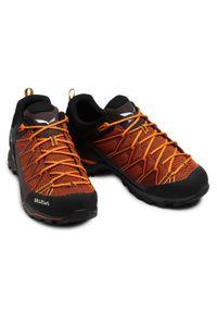 Pomarańczowe buty trekkingowe Salewa trekkingowe