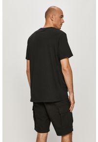 Czarny t-shirt Levi's® biznesowy, z aplikacjami, na spotkanie biznesowe