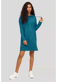 Greenpoint - Dzianinowa sukienka z kapturem. Typ kołnierza: kaptur. Materiał: dzianina