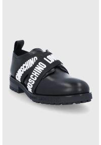 Love Moschino - Półbuty skórzane. Nosek buta: okrągły. Kolor: czarny. Materiał: skóra