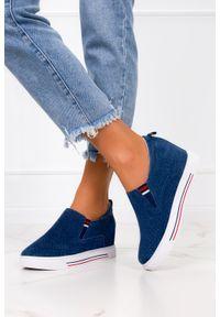 Filippo - Niebieskie sneakersy filippo skórzane półbuty ażurowe na ukrytym koturnie dp1356/21nw. Kolor: niebieski. Materiał: skóra. Wzór: ażurowy. Obcas: na koturnie
