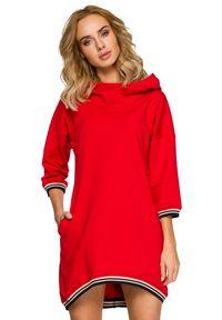MOE - Sportowa sukienka obszernym kapturem i kieszeniami. Materiał: bawełna, materiał, elastan. Typ sukienki: sportowe. Styl: sportowy. Długość: mini