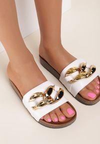 Renee - Białe Klapki Leucoche. Nosek buta: otwarty. Kolor: biały. Materiał: guma. Wzór: aplikacja