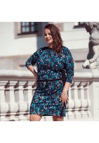 Sukienka dla puszystych Moda Size Plus Iwanek na zimę, biznesowa, do pracy, w kolorowe wzory