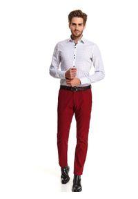 TOP SECRET - Koszula elegancka o dopasowanym kroju. Okazja: do pracy, na imprezę. Kolor: biały. Długość rękawa: długi rękaw. Długość: długie. Sezon: zima. Styl: elegancki