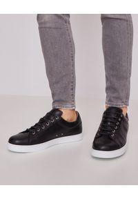 GIANVITO ROSSI - Czarne sneakersy Low Top. Okazja: na spacer, na co dzień. Kolor: czarny. Sport: turystyka piesza