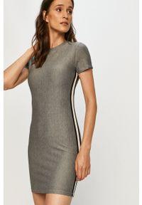 TALLY WEIJL - Tally Weijl - Sukienka. Kolor: szary. Długość rękawa: krótki rękaw. Typ sukienki: dopasowane