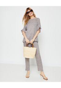 PESERICO - Beżowe spodnie z lnu. Stan: podwyższony. Kolor: beżowy. Materiał: len. Wzór: aplikacja. Sezon: lato, wiosna