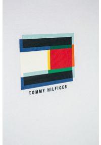 Biały t-shirt TOMMY HILFIGER z nadrukiem, na co dzień