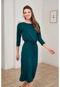 Marie Zélie - Sukienka Elwina butelkowa zieleń. Okazja: na co dzień. Materiał: wiskoza, dzianina, materiał, elastan, tkanina, guma. Długość rękawa: krótki rękaw. Typ sukienki: proste. Styl: casual
