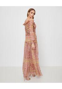 RAQUEL DINIZ - Jedwabna szyfonowa sukienka Hannah. Kolor: czerwony. Materiał: jedwab, szyfon. Wzór: paisley, aplikacja. Styl: elegancki. Długość: maxi