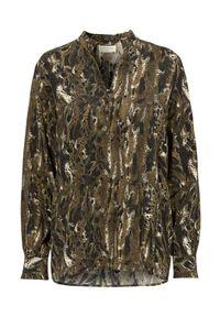 Freequent Bluzka Jamila khaki we wzory female zielony/ze wzorem L (42). Typ kołnierza: kołnierzyk stójkowy. Kolor: zielony. Materiał: tkanina, materiał. Długość: krótkie