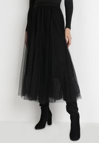Born2be - Czarna Spódnica Gylane. Kolor: czarny. Materiał: dzianina. Wzór: aplikacja. Styl: elegancki
