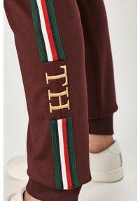 Brązowe spodnie dresowe TOMMY HILFIGER gładkie