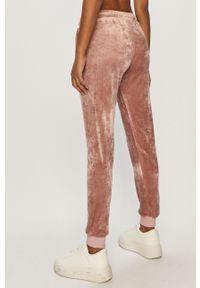 Różowe spodnie dresowe Waikiki Vibe gładkie