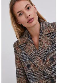 Answear Lab - Płaszcz z domieszką wełny. Okazja: na co dzień. Kolor: beżowy. Materiał: wełna. Styl: wakacyjny