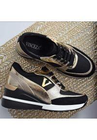 Vinceza - Sneakersy półbuty damskie VINCEZA 10574 BK/GL. Kolor: złoty. Materiał: tkanina, skóra. Obcas: na koturnie. Styl: klasyczny. Wysokość obcasa: średni