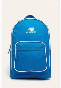 Niebieski plecak New Balance z nadrukiem