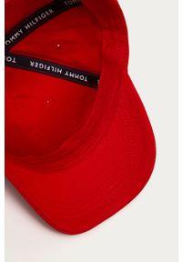 Czerwona czapka z daszkiem TOMMY HILFIGER gładkie