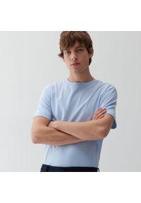 Reserved - Koszulka regular fit - Niebieski. Kolor: niebieski