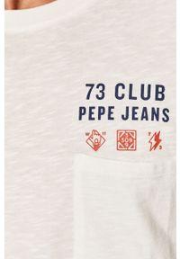 Biała koszulka z długim rękawem Pepe Jeans z okrągłym kołnierzem, z nadrukiem