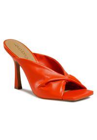 Pomarańczowe klapki Eva Longoria