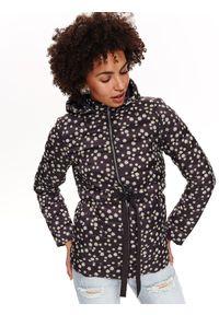 Czarna kurtka TOP SECRET z kapturem, w kolorowe wzory, na lato, krótka