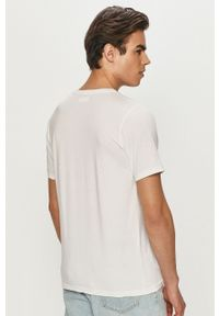 Biały t-shirt columbia w jednolite wzory, casualowy, na co dzień