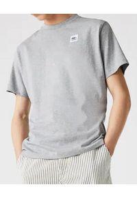 Lacoste - LACOSTE - Szary t-shirt z naszywanym logo. Kolor: szary. Materiał: jeans, bawełna. Wzór: aplikacja