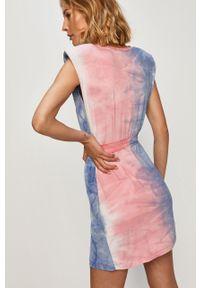 Niebieska sukienka ANSWEAR prosta, z krótkim rękawem
