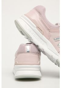 Różowe buty sportowe New Balance z cholewką, na sznurówki