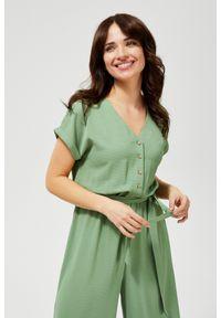 Zielona sukienka MOODO z dekoltem w serek, prosta, casualowa, do pracy