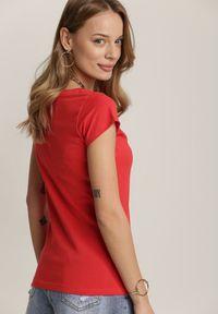 Renee - Czerwony T-shirt Alethosia. Kolor: czerwony. Materiał: bawełna, jeans. Długość: krótkie. Sezon: lato, wiosna