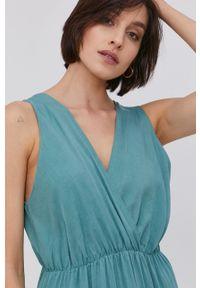 Answear Lab - Sukienka. Kolor: turkusowy. Materiał: tkanina. Wzór: gładki. Typ sukienki: rozkloszowane. Styl: wakacyjny