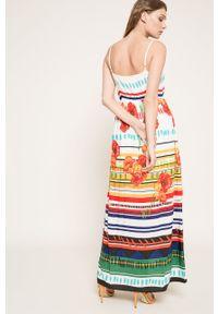 Desigual - Sukienka. Kolor: biały. Materiał: tkanina. Typ sukienki: rozkloszowane