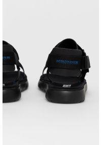 Czarne sandały Camper na rzepy, gładkie, na obcasie, na niskim obcasie