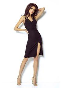 IVON - Czarna Mini Sukienka Wiązana na Karku. Kolor: czarny. Materiał: wiskoza, nylon, elastan. Długość: mini