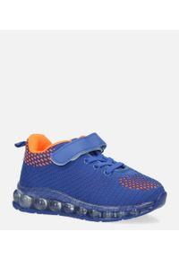 Casu - niebieskie buty sportowe na rzep casu 918b. Zapięcie: rzepy. Kolor: niebieski