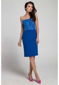 Niebieska sukienka koktajlowa Nommo z odkrytymi ramionami, wizytowa, w koronkowe wzory