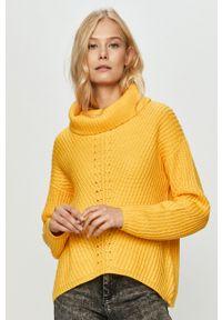 only - Only - Sweter. Typ kołnierza: golf. Kolor: żółty. Materiał: dzianina. Długość rękawa: długi rękaw. Długość: długie. Wzór: ze splotem