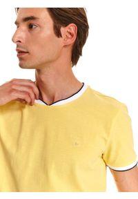 TOP SECRET - T-shirt gładki dopasowany. Kolor: żółty. Materiał: bawełna. Wzór: gładki. Sezon: lato. Styl: klasyczny