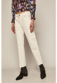 Białe jeansy medicine gładkie