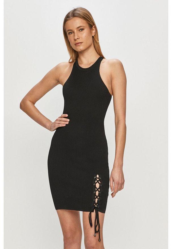 Czarna sukienka Guess bez rękawów, na co dzień, gładkie