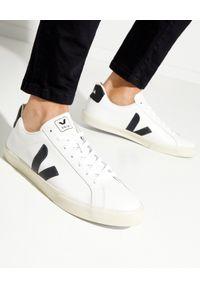 Veja - VEJA - Białe sneakersy Esplar. Kolor: biały. Materiał: materiał, guma