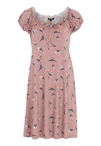 Różowa sukienka Happy Holly z krótkim rękawem