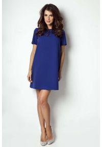 IVON - Chabrowa Sukienka Trapezowa z Krótkim Rękawem. Kolor: niebieski. Materiał: wiskoza, elastan. Długość rękawa: krótki rękaw. Typ sukienki: trapezowe