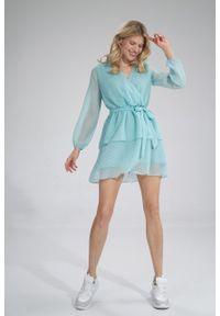 e-margeritka - Sukienka szyfonowa kopertowa wizytowa z falbanami miętowa - l. Typ kołnierza: dekolt kopertowy. Kolor: miętowy. Materiał: szyfon. Typ sukienki: kopertowe. Styl: wizytowy