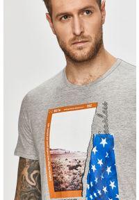 Szary t-shirt Tom Tailor Denim casualowy, z nadrukiem, na co dzień