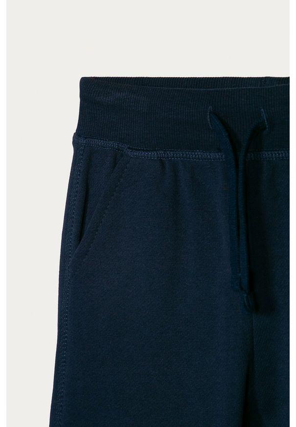 Niebieskie spodnie dresowe OVS